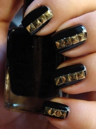 Golden Black Nail